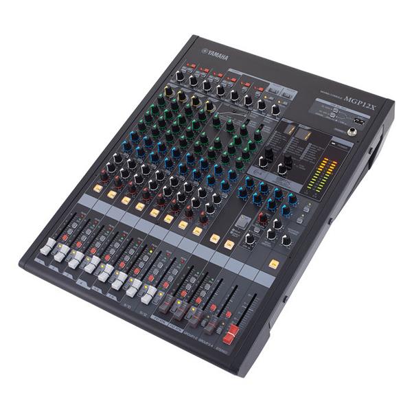 Bàn Mixer Yamaha MGP12X